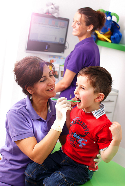 Gesundsheitenwesen: Zahnarzt | Fotostudio Lhotzky